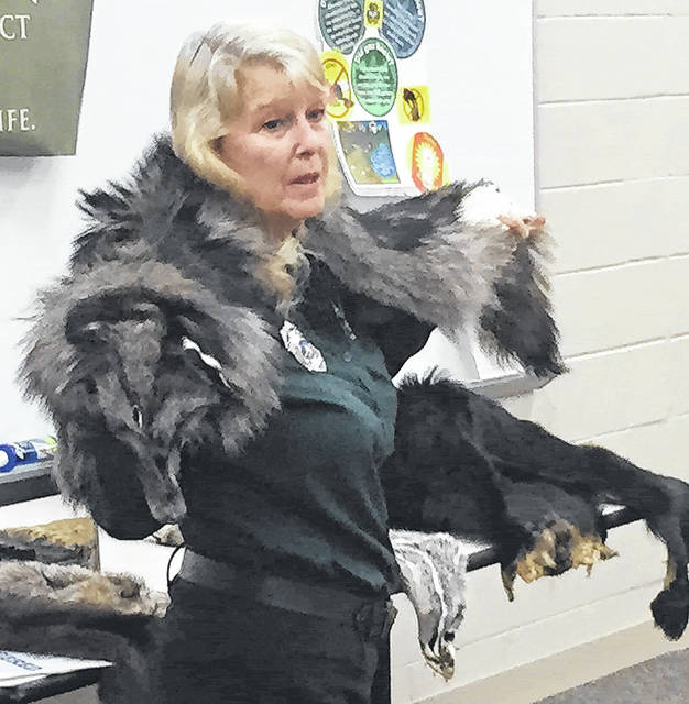 Submitted photos Kendra Schide, chief naturalist for the Bellbrook-Sugarcreek Park District, recently visited the Bellbrook Middle School seventh grade science classes.